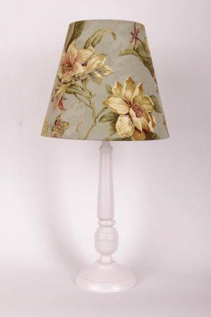 купить настольную лампу для квартиры или загородного дома