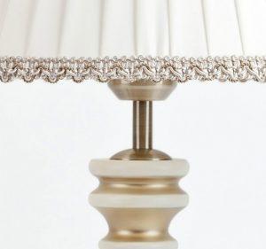 настольная лампа для светлого интерьера