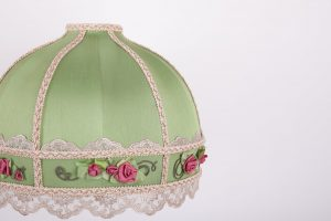 зеленый абажур с цветами
