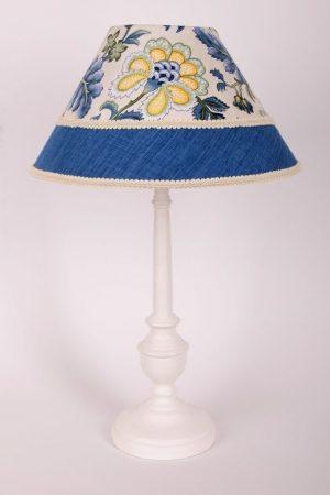 настольная лампа из натуральных материалов