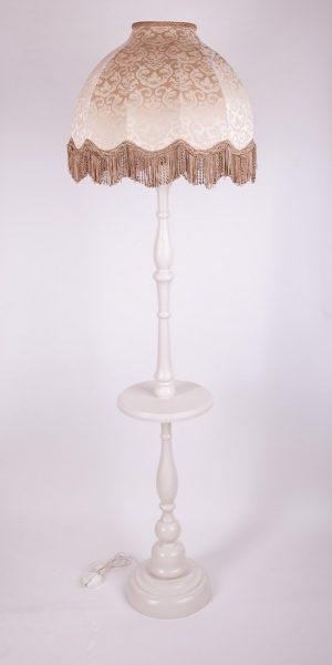 торшер из дерева со столиком для небольших пространств