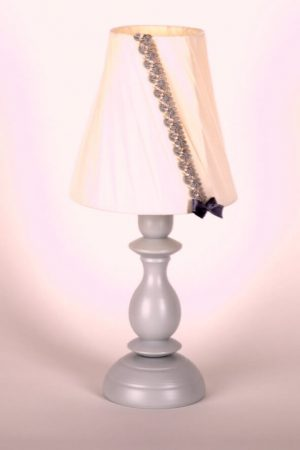 настольаня лампа в детскую