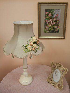 абажур с вышивкой шелковой лентой прованс, классика для настольной лампы