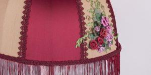 абажур с вышивкой сделанной вручную