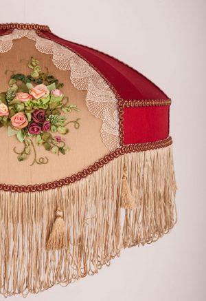 необычый абажур с вышивкой кружевом и бахромой