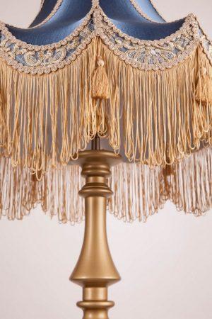 Торшер классический из дерева с красивым абажуромна заказ