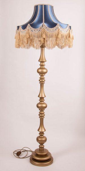 напольный торшер с золотым основанием и классическим синим абажуром