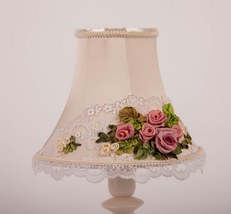 Настольная лампа SOFI с вышивкой вид 6