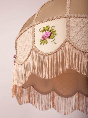 ретро абажур с вышивкой и бахромой