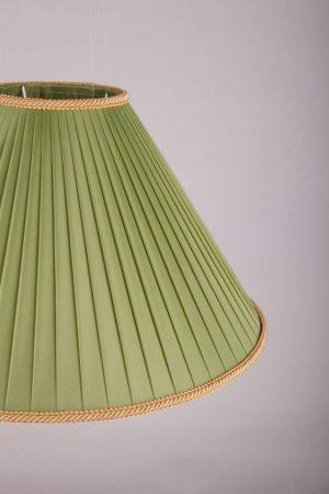 зеленый абажур с шелковой каймой