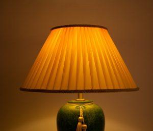 мраморная настольная лампа