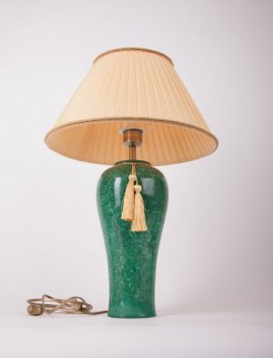 настольная лампа из мрамора с абажуром