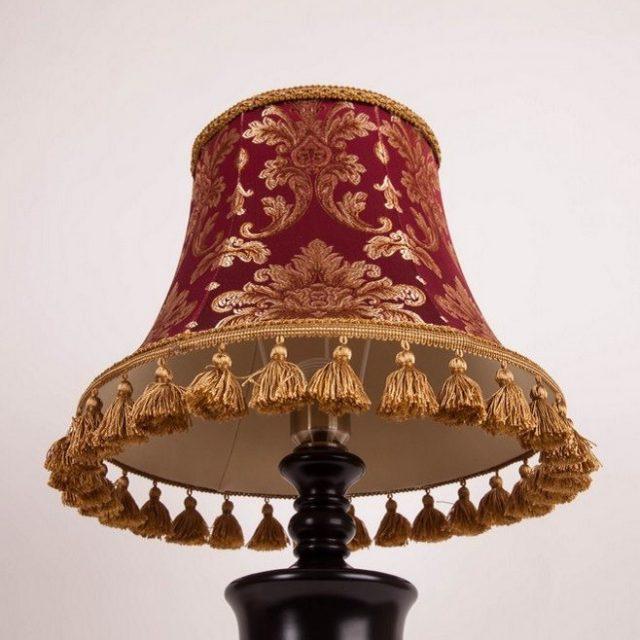 классический абажур для настольной лампы