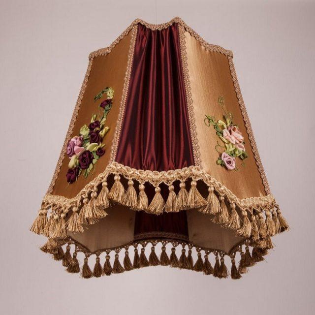 винтажный абажур с вышивкой для торшера