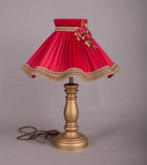 настольная лампа с вышивкой