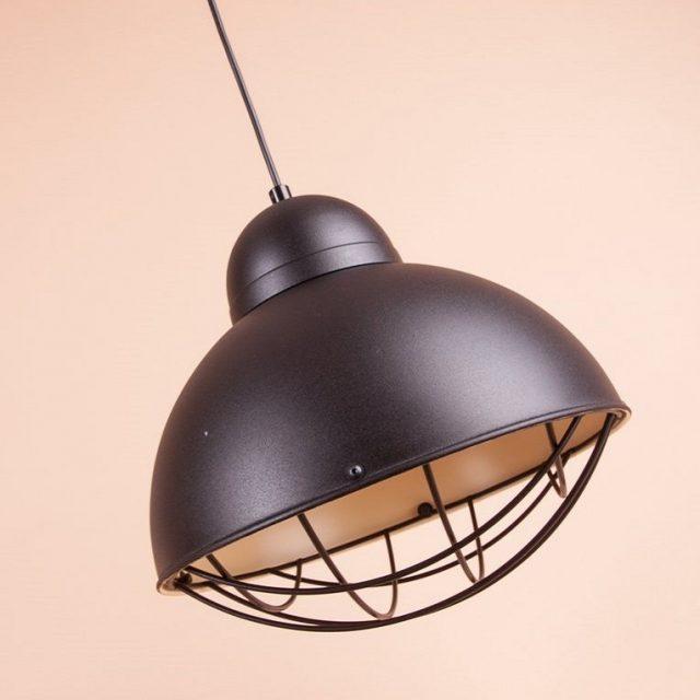 Металлический светильник с решеткой для в лофт интерьер