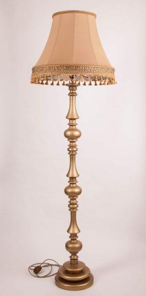 Торшер с классическим абажуром золотого цвета флинт 10