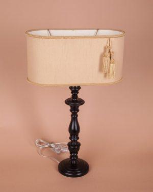 кпить настольную лампу с современным абажуром
