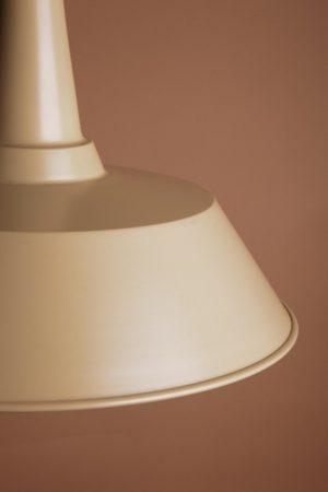 модный подвесной светильник из металла