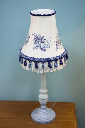настольная лампа в наличии москва