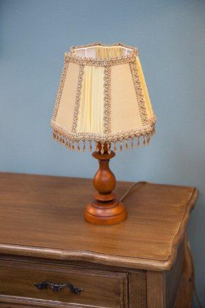 настольная лампа небольшого размера