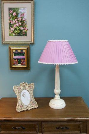 настольная лампа нежная расцветка