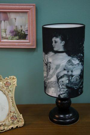 купить интерьерную настольную лампу