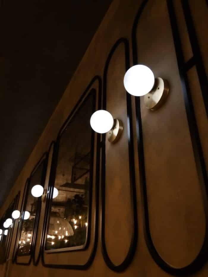 светильники со стеклянными шарами для ресторана